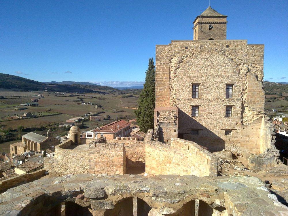 Castillo-Benabarre-Benavarri-estanya-azafran-del-pirineo